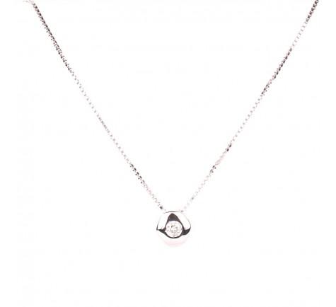 Colgante con cadena en diamante de 0,05 cts en oro de 18K