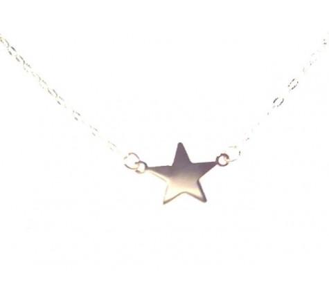 Collar con motivo de una estrella en oro 18K